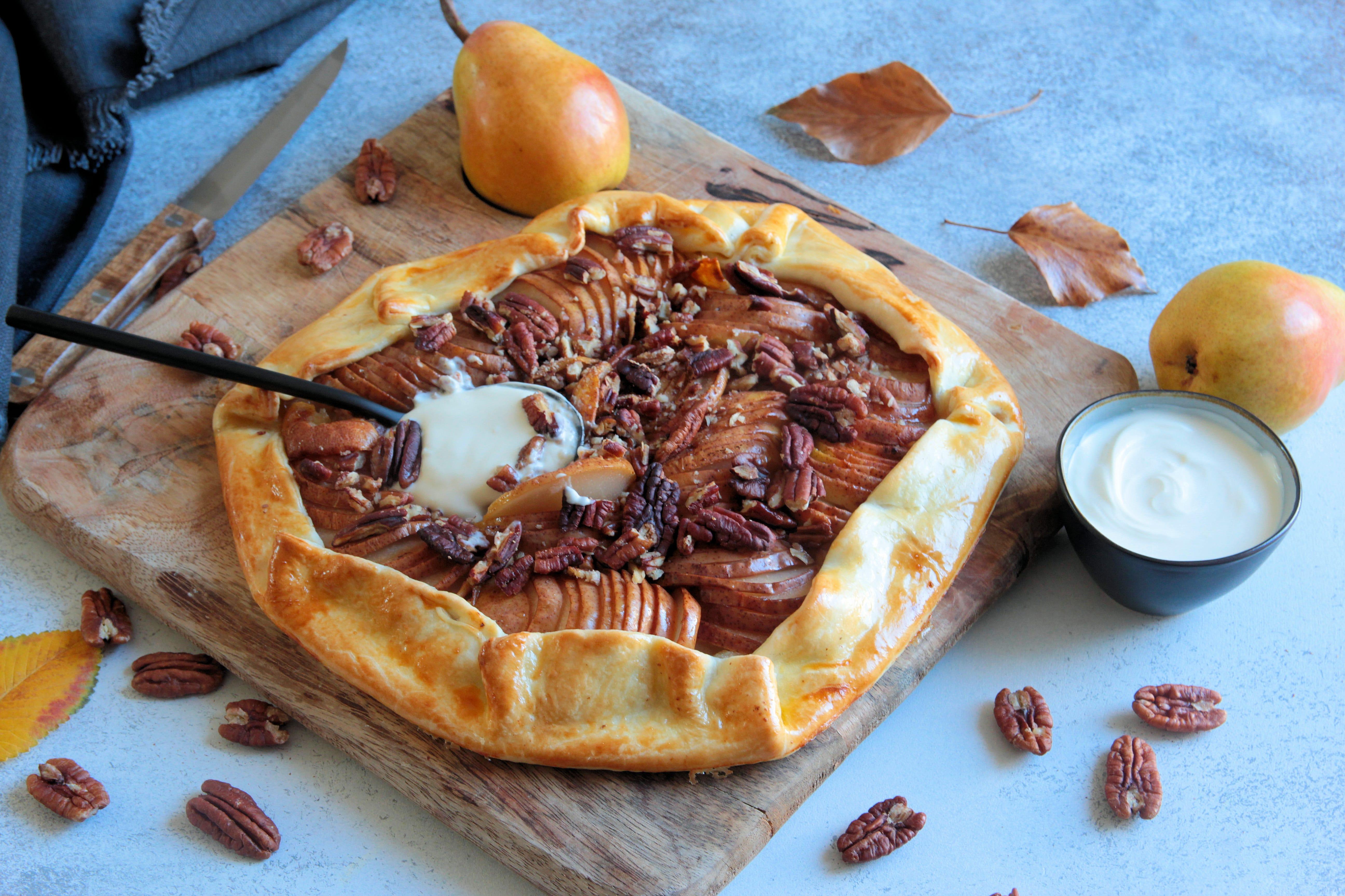 Tarte rustique aux poires et noix de pécan